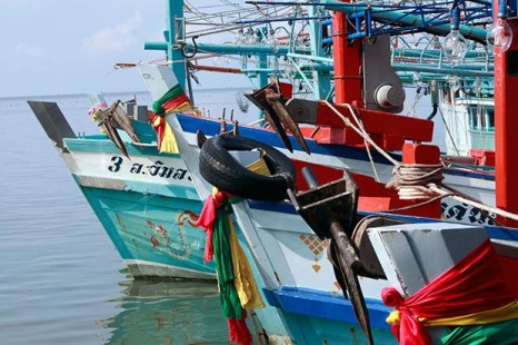 Khong Yai fishermen threaten to idle boats