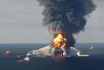 Deepwater-Horizon-April-21-2010.-REUTERS