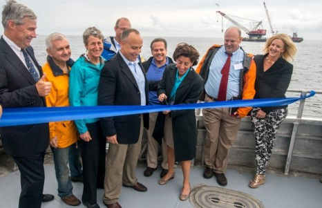 Bi-Wind-Farm-ribbon-cutting-620x400