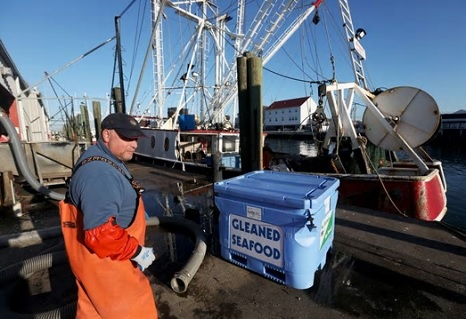Instead of throwing their catch overboard, fishermen are feeding the hungry in N.J.