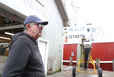 Coronavirus: Commercial fishermen scale back as market demand plummets
