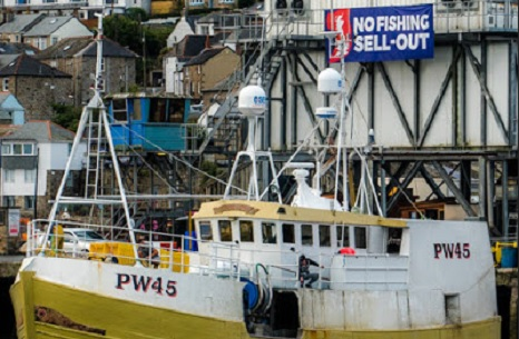 Brexit: EU preparing to row back on rights to fish in British waters